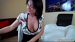 Mature Horny Babe Cumming On Webcam Show
