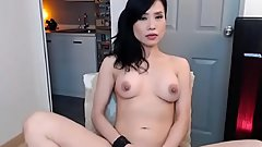 Horny Chinese Slut Masturbation On Cam Show