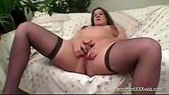 Pregnant Babe Receives Some Oral