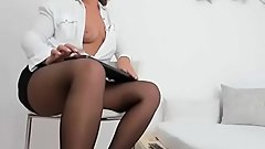 Cougar Sexy Woman Camshow